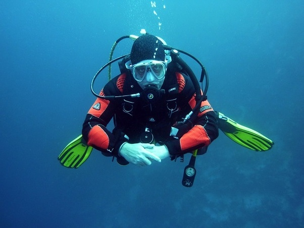How Deep Can You Dive Without decompression